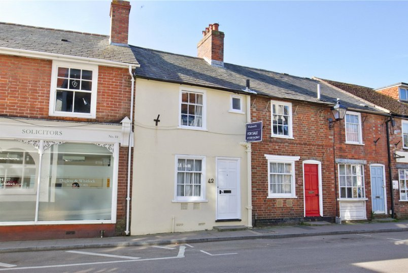House for sale in  - High Street, Milford On Sea, SO41