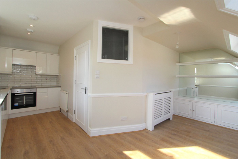 Flat/apartment to rent in Ealing & Acton - Emanuel Avenue, Acton, W3