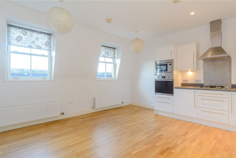 Flat/apartment to rent in Bath - New Marchants Passage, Bath, Somerset, BA1