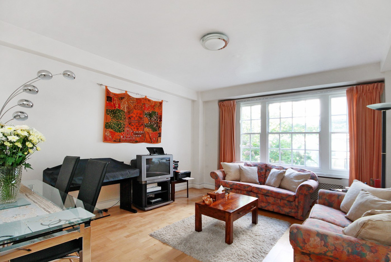 Apartment for sale in St Johns Wood - APSLEY HOUSE, FINCHLEY ROAD, LONDON,  NW8 0NU
