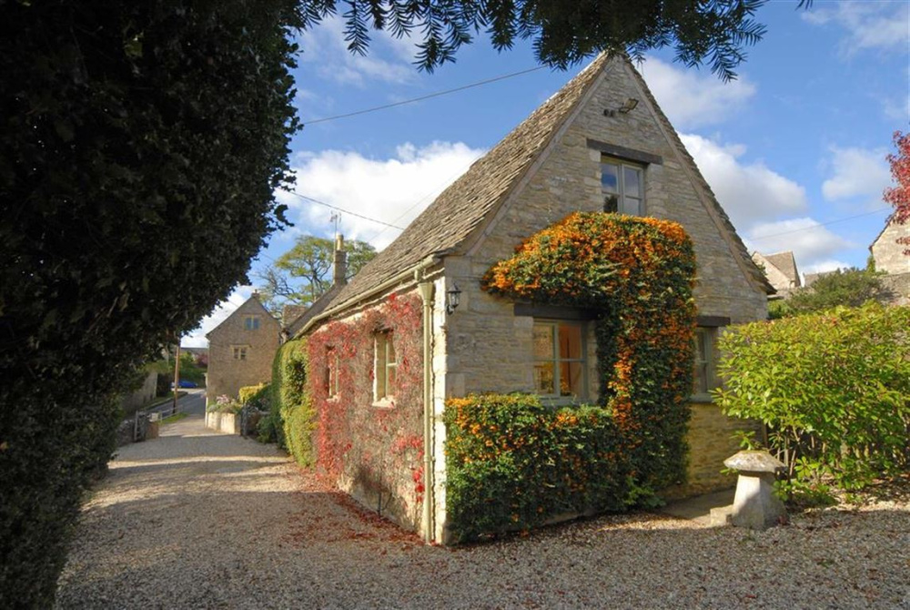 Fantastic Stags 10 Bedroom Property For Sale In Bibury Holiday Download Free Architecture Designs Lukepmadebymaigaardcom