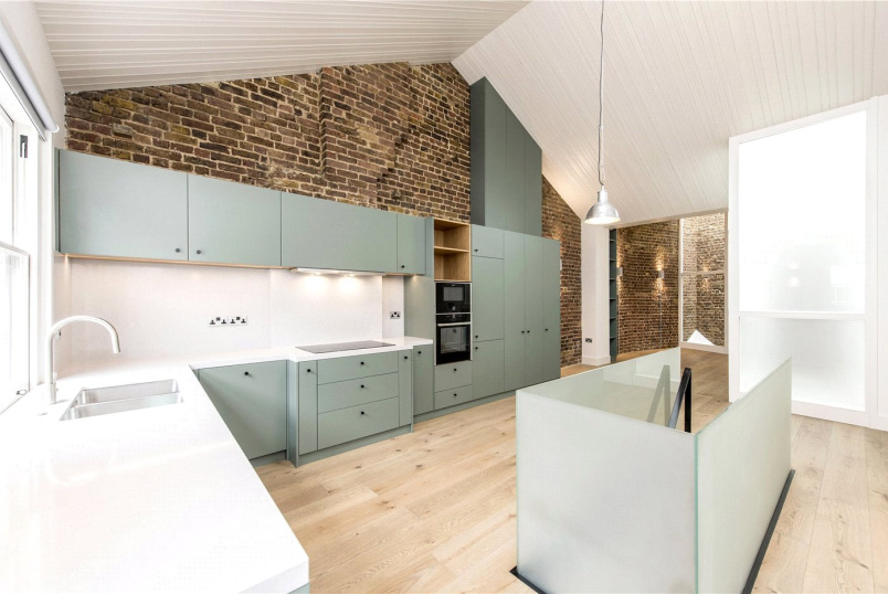 Flat/apartment to rent in West End - Lancaster Mews, London, W2