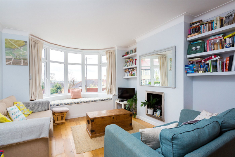 House for sale in Crystal Palace - Grangecliffe Gardens, London, SE25