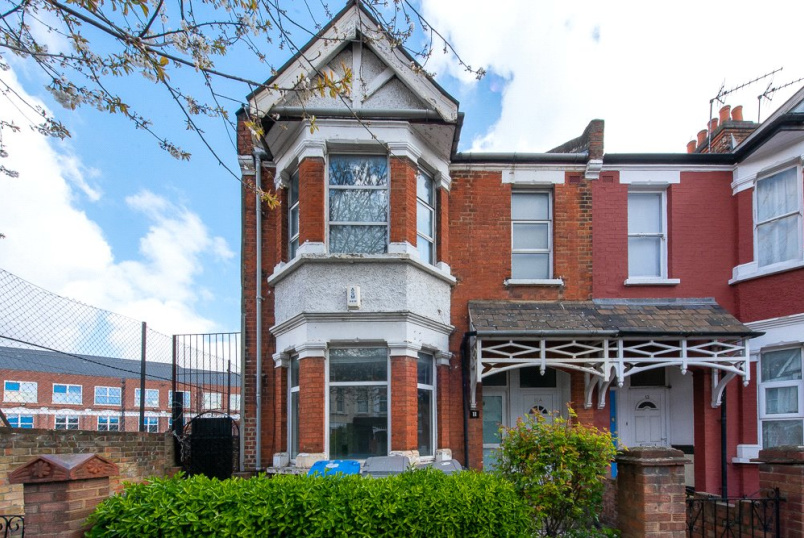 Flat/apartment for sale in Kensal Rise & Queen's Park - Palermo Road, London, NW10