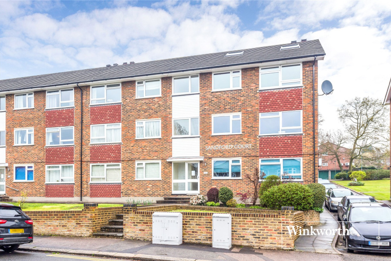 Flat/apartment for sale in Barnet - Sandford Court, Bosworth Road, New Barnet, EN5