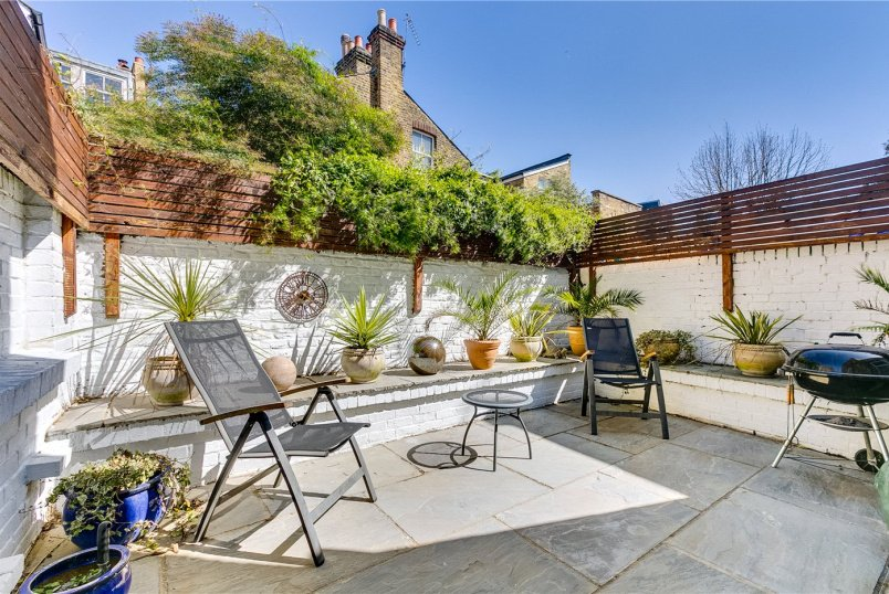 Flat/apartment for sale in Fulham & Parsons Green - Burlington Road, London, SW6