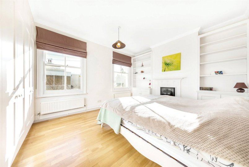 House to rent in Chiswick - Rothschild Road, London, W4