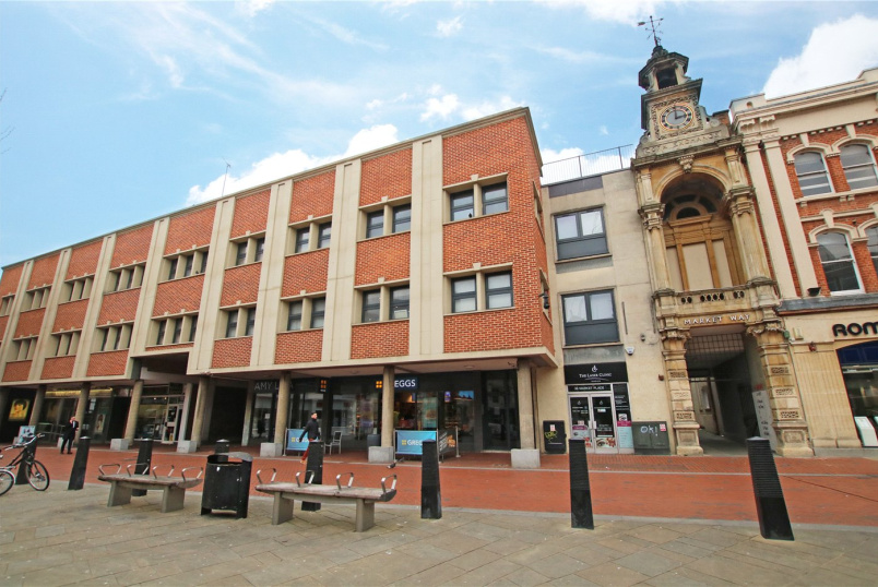 Flat/apartment to rent in Reading - Market Place, Reading, Berkshire, RG1