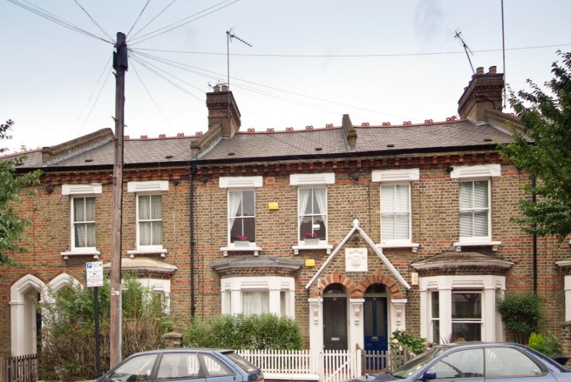 Apartment to rent in Battersea - GRAYSHOTT ROAD, SW11