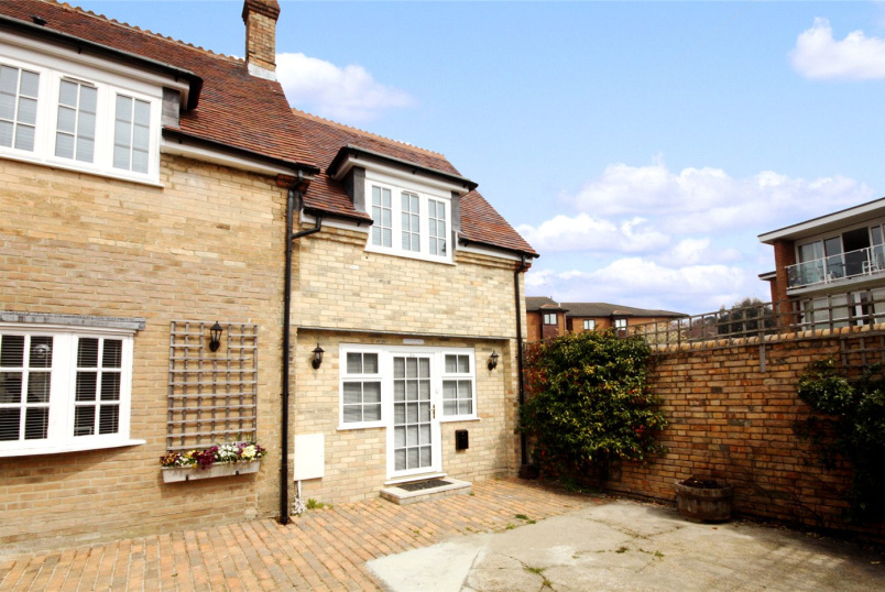 Cottage to rent in Westbourne - Sparken Cottages 53A West Cliff Roa, Bournemouth, Dorset, BH4