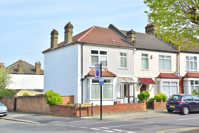 House for sale in Blackheath - Dallinger Road, Lee, SE12