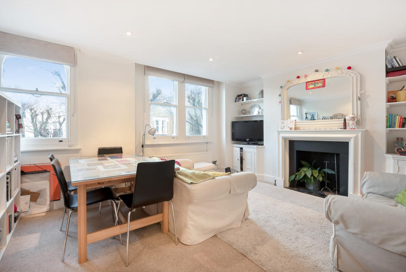Flat for sale in Battersea - GLYCENA ROAD, SW11
