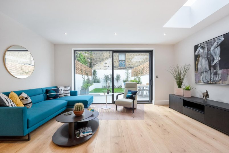 Flat for sale in Battersea - BENNERLEY ROAD, SW11