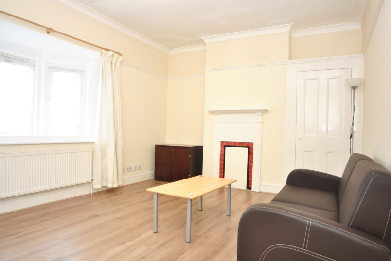 Flat/apartment to rent in Palmers Green - Green Lanes, London, N13