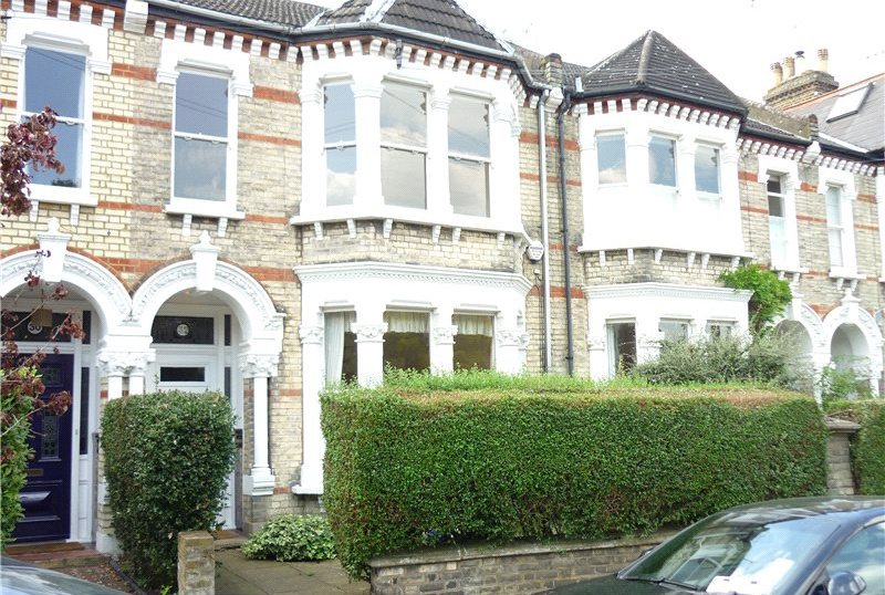House to rent in Barnes - Elm Bank Gardens, London, SW13