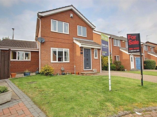 3 bedroom property in Blenheim Road, East Yorkshire - £235,000