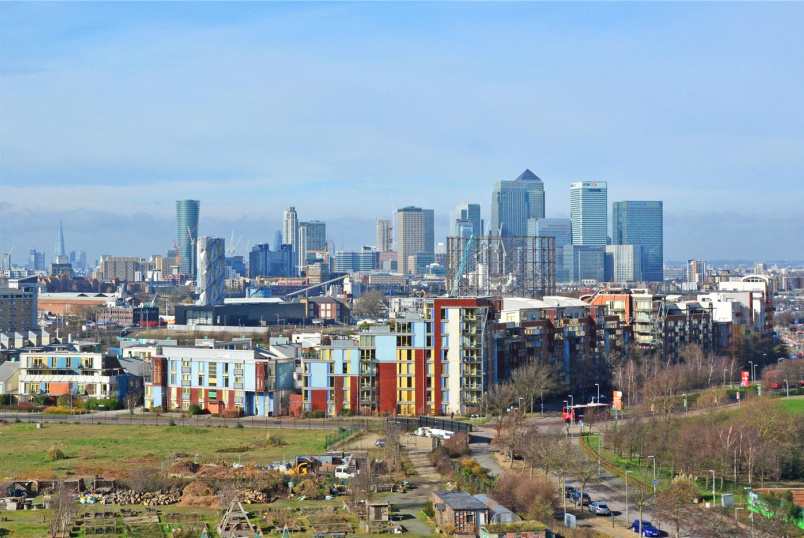 Flat/apartment for sale in Greenwich - Becquerel Court, West Parkside, Greenwich, SE10