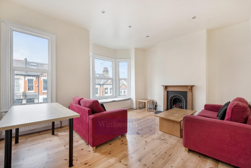 Flat to rent in Battersea - DOROTHY ROAD, SW11