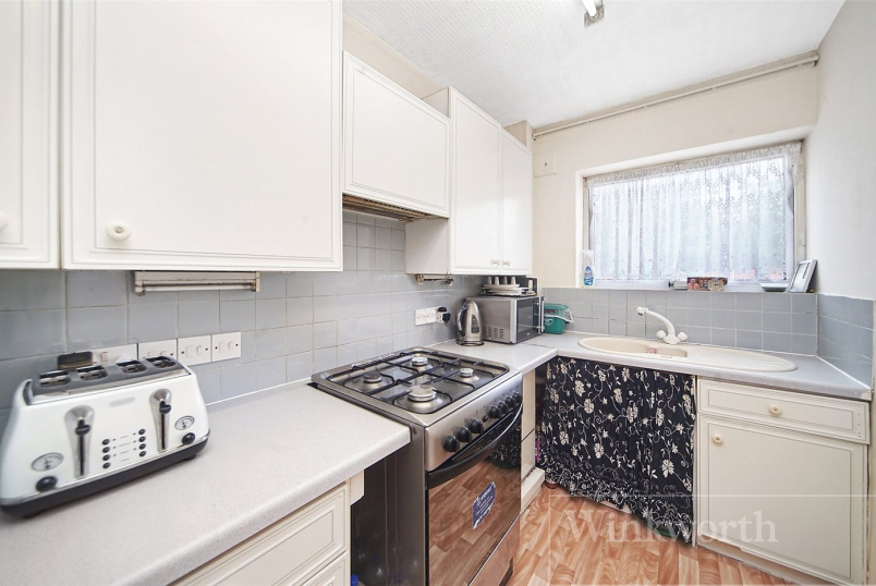 Flat/apartment for sale in Kingsbury - Kenwood Court, 1 Elmwood Crescent, Kingsbury, NW9