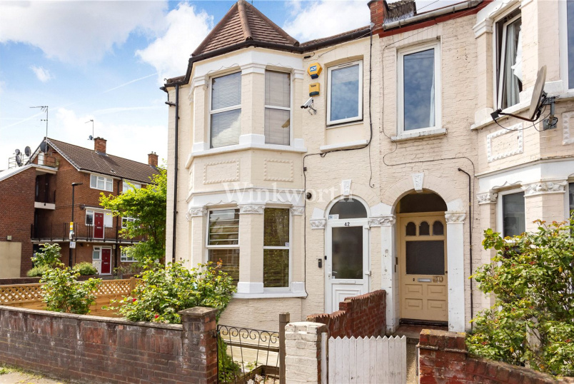 House for sale in Harringay - Warwick Gardens, London, N4