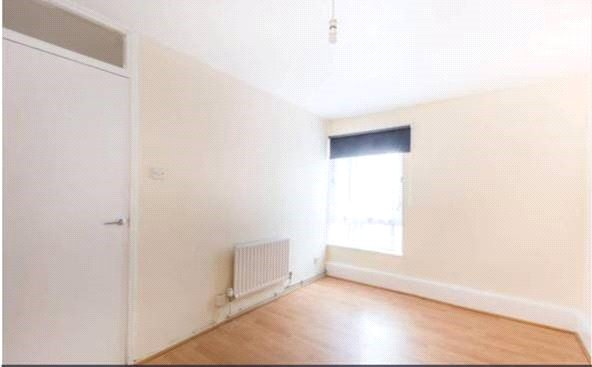 Flat/apartment to rent in New Cross - Camber House, Lovelinch Close, London, SE15