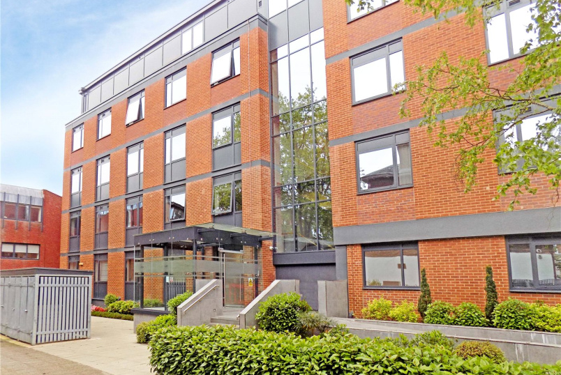 Flat/apartment to rent in Exeter - Trinity Court, Southernhay East, Exeter, EX1