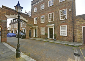 4 bedroom property to let in Syon Lane, Isleworth - £2400 pcm