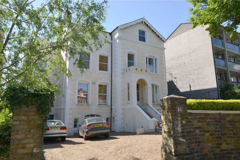 Flat/apartment for sale in Dulwich - Grove Park, Camberwell, SE5