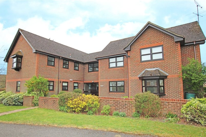 Flat/apartment for sale in  - Stretton, Stretton Close, Bradfield Southend, RG7