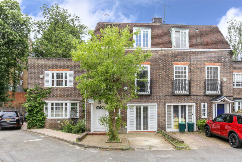 House to rent in Kensington - Abbotsbury Close, Holland Park, W14