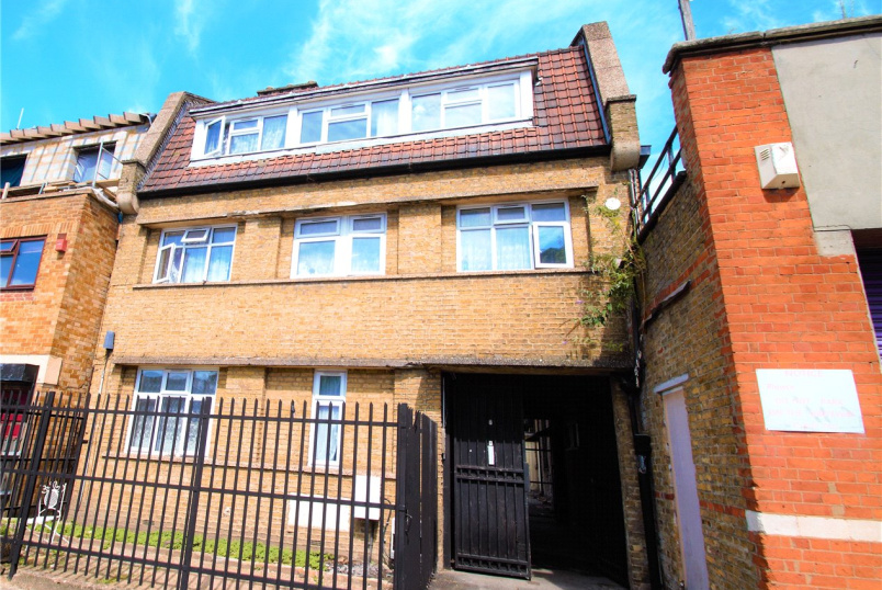 House to rent in New Cross - Manor Grove, Peckham, SE15
