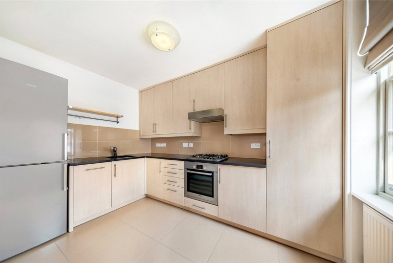 Flat/apartment to rent in Chiswick - The Avenue, Chiswick, London, W4