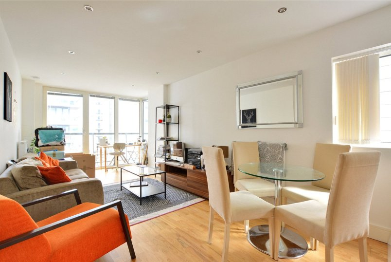 Flat/apartment to rent in Greenwich - Beacon Point, 12 Dowells Street, London, SE10