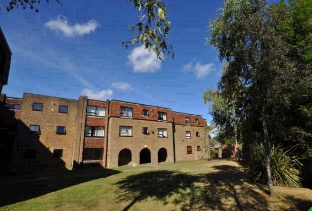 Flat/apartment to rent in Guildford - Mulberry Court, Guildford, Surrey, GU4