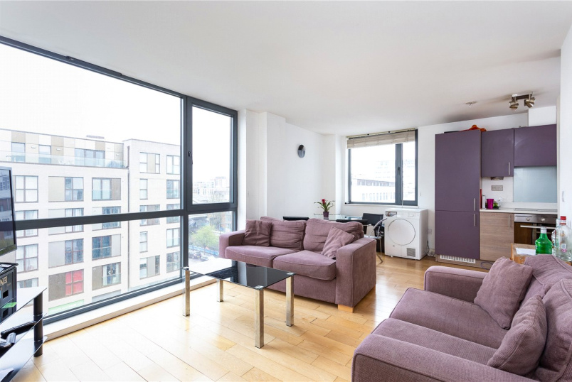 Flat/apartment for sale in Shoreditch - Sheldon House, Baltic Place, London, N1