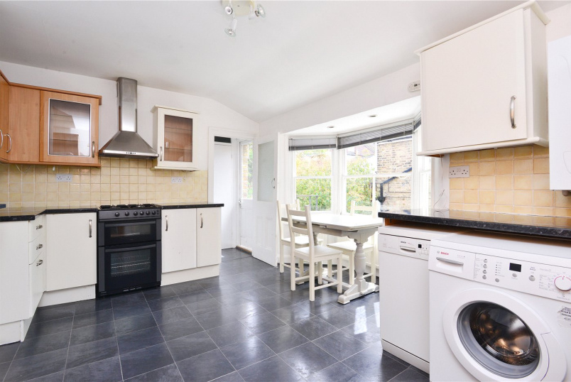 Flat/apartment to rent in Dulwich - Crystal Palace Road, East Dulwich, SE22