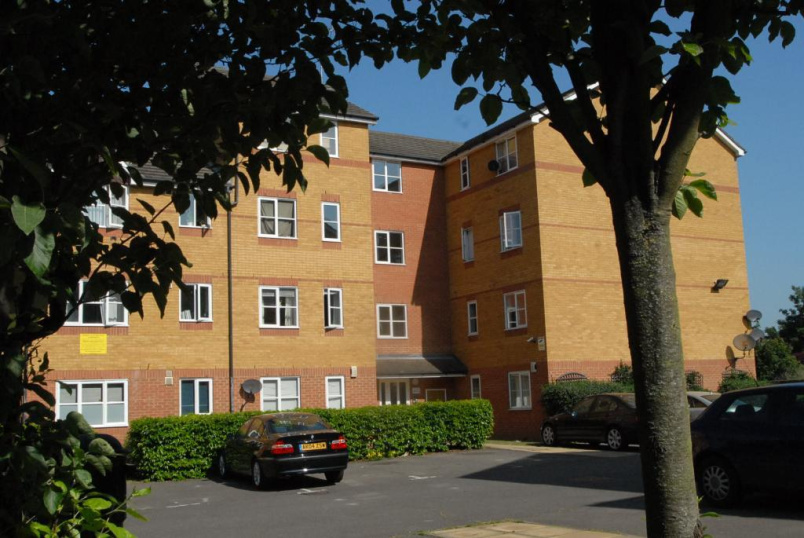 Flat/apartment to rent in Greenwich - Compass House, Armoury Road, London, SE8