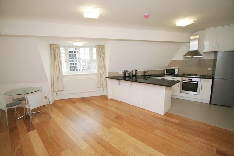 Flat/apartment to rent in Ealing & Acton - Grosvenor Parade, Ealing Common, W5