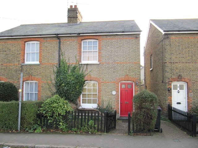 Cottage to rent in  - East Street, Rochford, Essex, SS4