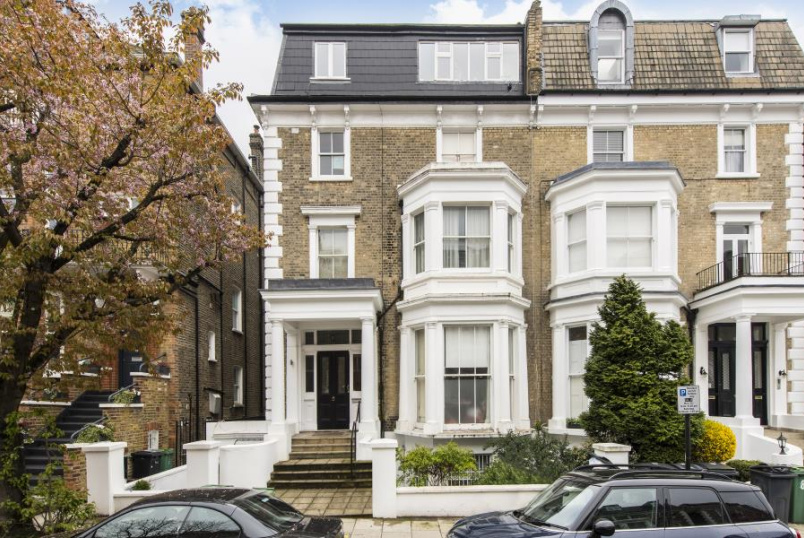 Apartment for sale in St Johns Wood - ADAMSON ROAD, LONDON, NW3 3HR