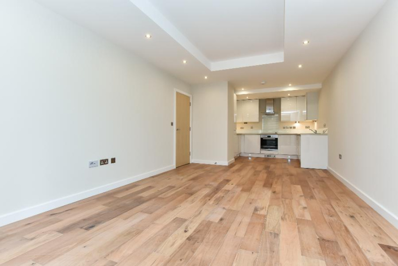 Flat to rent in Pimlico and Westminster - CORNELL SQUARE, SW8
