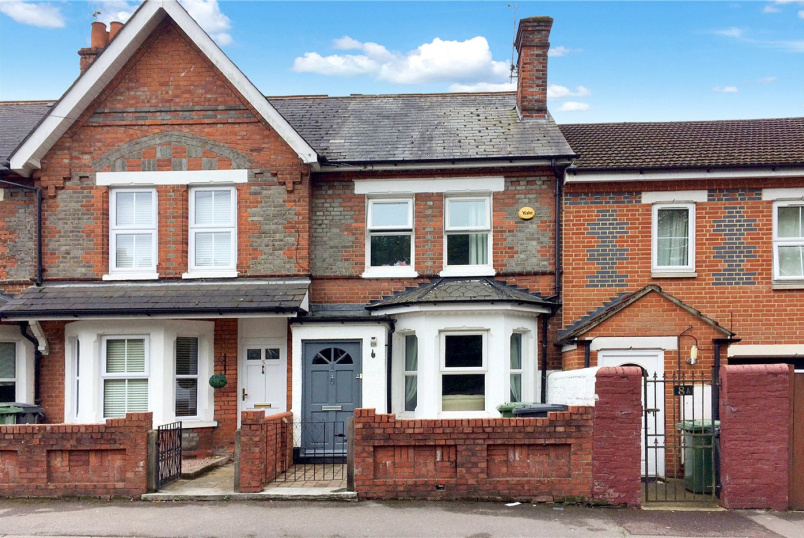 House to rent in Basingstoke - Coronation Road, Basingstoke, Hants, RG21