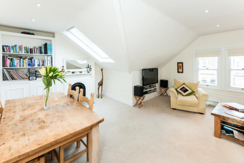 Flat to rent in Battersea - LAVENDER GARDENS, SW11