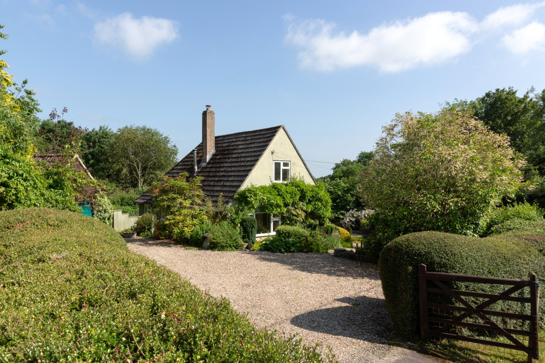4 bedroom property for sale in Fantley Lane, Bourton, Gillingham