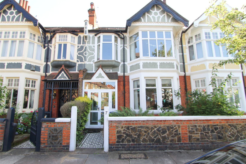 House for sale in Ealing & Acton - Byron Road, London, W5