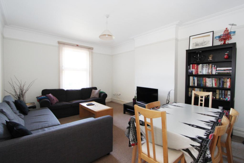 Flat/apartment to rent in Ealing & Acton - Creffield Road, Ealing Common, W3