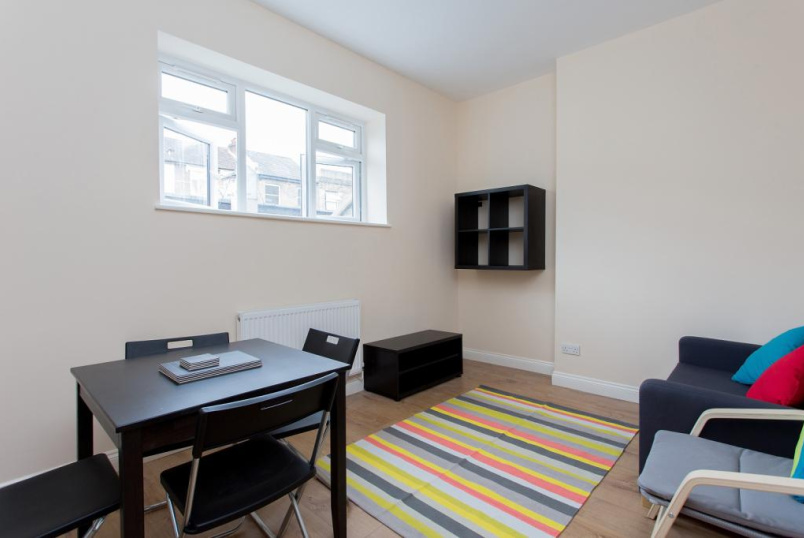 Flat/apartment to rent in Highbury - Blackstock Road, Finsbury Park, London, N4