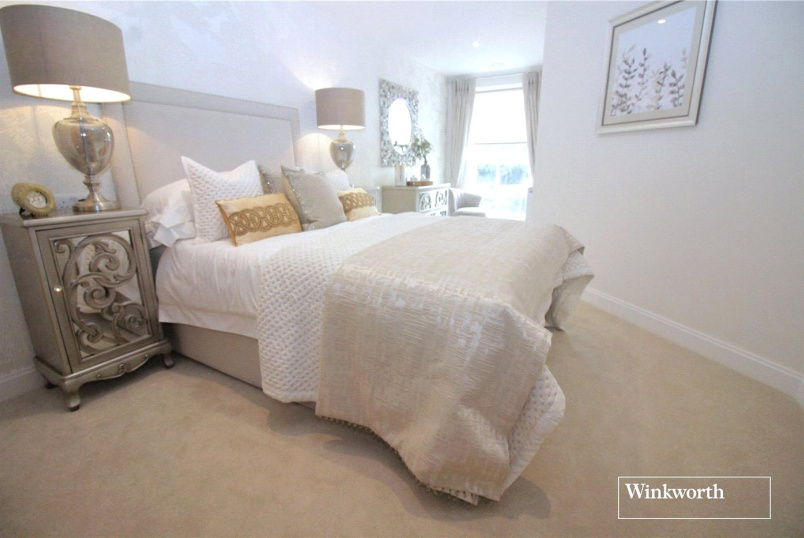 Flat/apartment for sale in Borehamwood & Elstree - Goldwyn House, Studio Way, Borehamwood, WD6