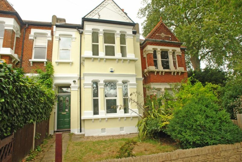 House to rent in  - Piermont Road, East Dulwich, SE22