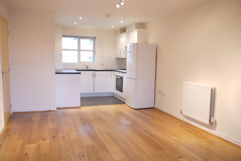 Flat/apartment to rent in Borehamwood & Elstree - Whitehall Close, Borehamwood, WD6
